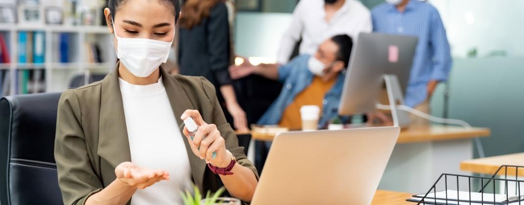 Een mondmasker op het werk : verplicht ?