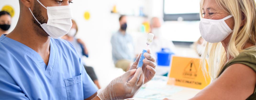 Quel rôle pour les Services Externes de Prévention et de Protection au Travail (et donc de Cohezio) dans le processus de vaccination contre la COVID-19?