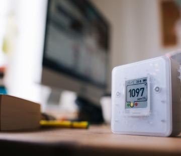 Capteurs de CO2 : Un moyen sûr et efficace de contrôler la ventilation de votre lieu de travail !