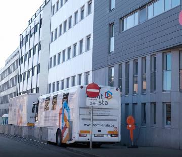 COVID-19 : mise à disposition de nos cars médicaux à Liège