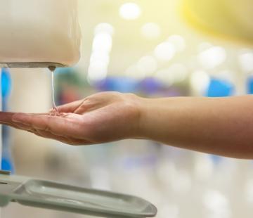 L'efficacité des gels et solutions hydroalcooliques dans le temps : l'importance de la stabilité de leur teneur en alcool